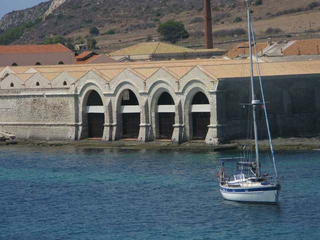 Prendetevi una pausa di lusso dalla calda estate siciliana: Tonnara, Favignana