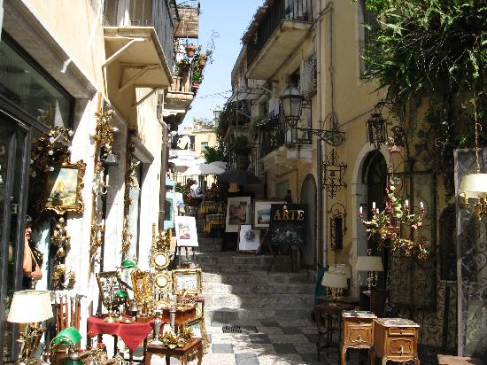 What to do in Taormina - Antique Shops