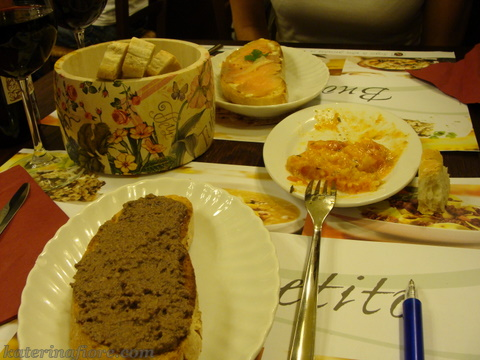 Piatti della Cucina Toscana - Crostini di fegatini (antipasto)