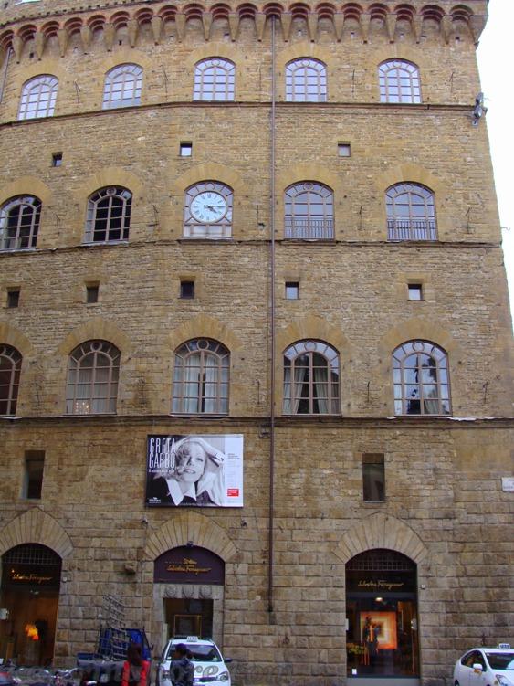 La via dello shopping più cara di Firenze