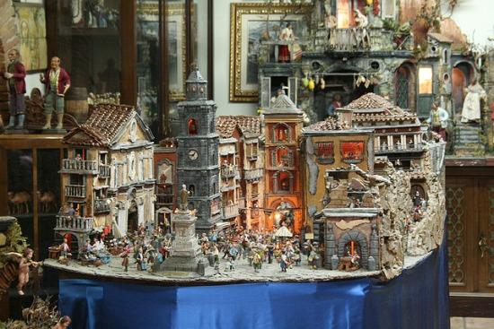 Christmas shopping San Gregorio Armeno Naples