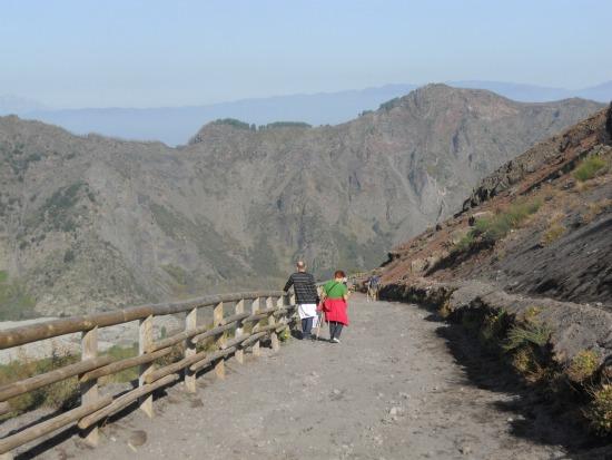 Climbing Mt Vesuvius with Children