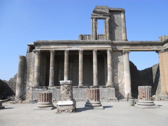 Pompeii photos of the forum - Pompeii in pictures