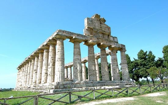 Campania in treno - le rovine di Paestum