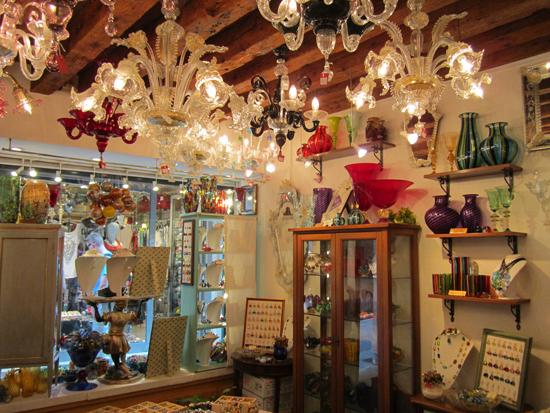 Lampadari in vetro di Murano, Atmosfera Veneziana, Photo credit: Leslie Rosa