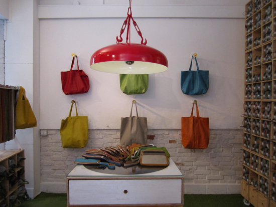 Colorful leather bags at Officine 904, Photo credit: Leslie Rosa