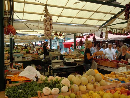 Rialto Market, Photo credit: Leslie Rosa