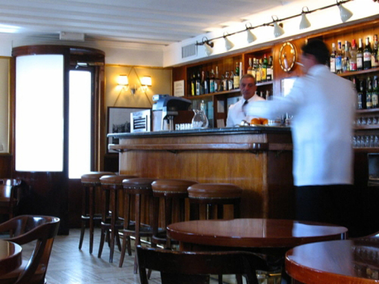 Harrys Bar, luogo di nascita del Bellini. Photo credit: bookdrum.com