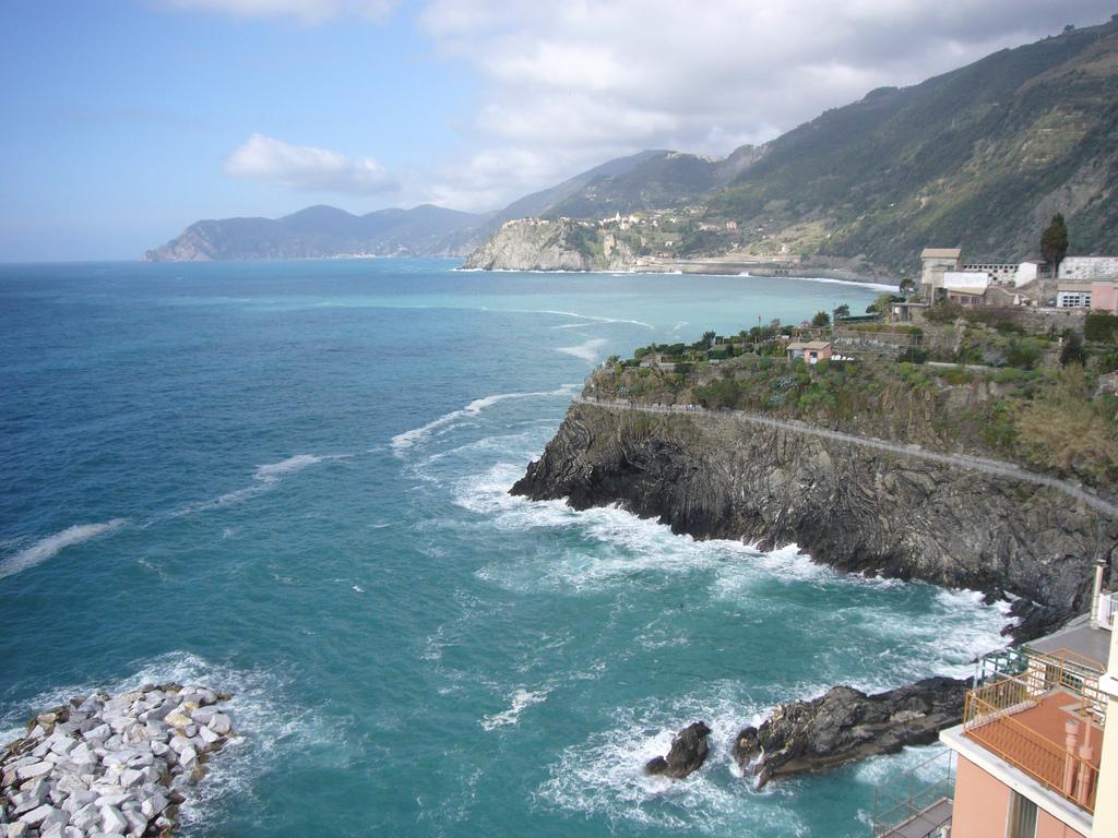 Le Cinque terre, Liguria - Flickr Photo Credits:ezioman